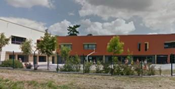 École primaire à Bourg des Comptes